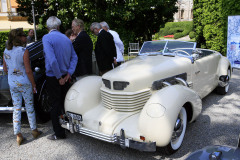 Class A: Graceful Open Air-Style.  Cord 812 S/C (1937)