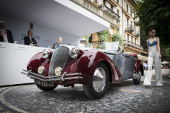 Class B - 22 -Antidepressants - pre-war sports cars which defied the great depression . Delahaye 135M by Figoni Falaschi (1946)
