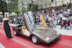 Class H -92 -How fast is fast enough - Mid and rear-engined supercars from the disco era. Lamborghini  Countach LP400 by Bertone (1976)