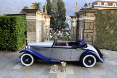 Class B - 18 - Developing the Theme : Space,  Pace and Grace / Lancia Dilambda Serie I by Carlton Carriage (1930)