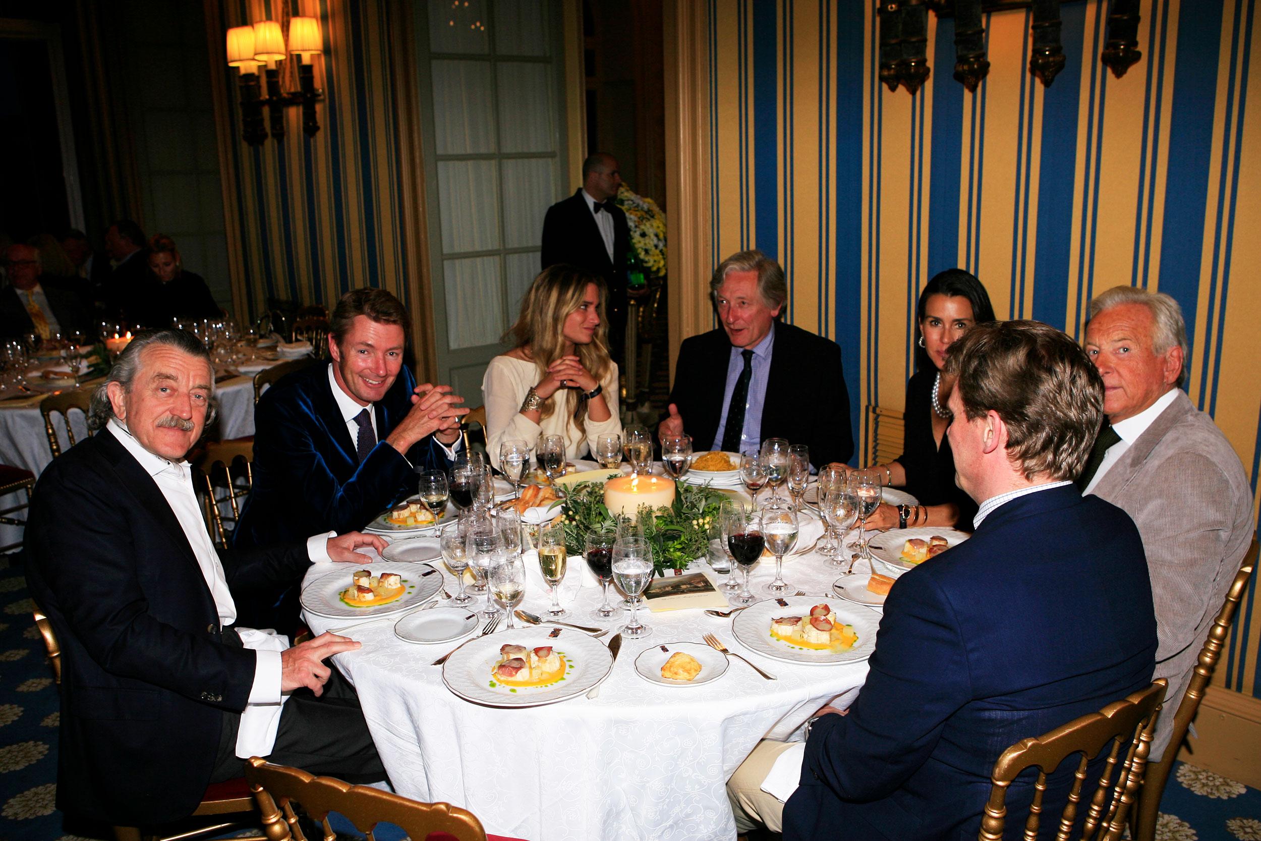 Dining at Villa d'Este with Simon Kidston,  Italian Job actor David Salamone,  Collector Jean-Pierre Slavic, and e.g. Jury Dieter Meier