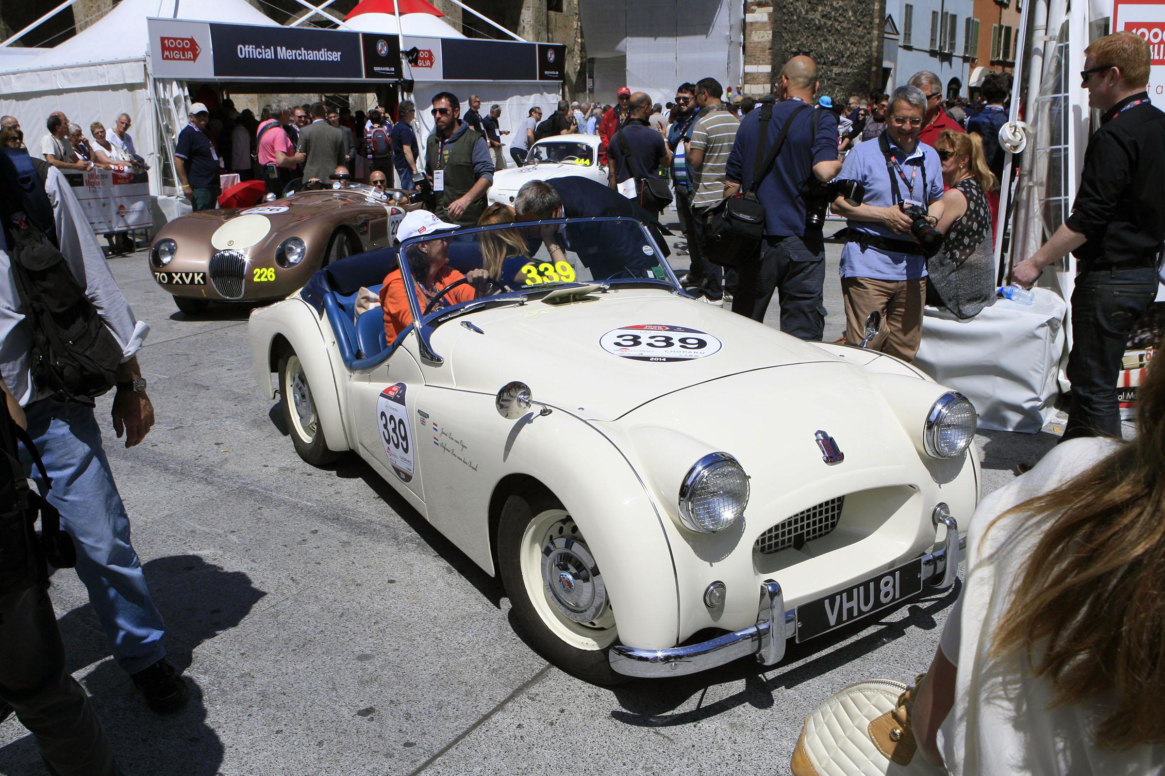 339 - BAS VAN OISEN Trinetta (NL) + BAS VAN DE BROEK Anton (NL) - Triumph TR 2 Sports (1955)