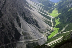 Bird view of this spectacular mountain pass is still short of the real experience